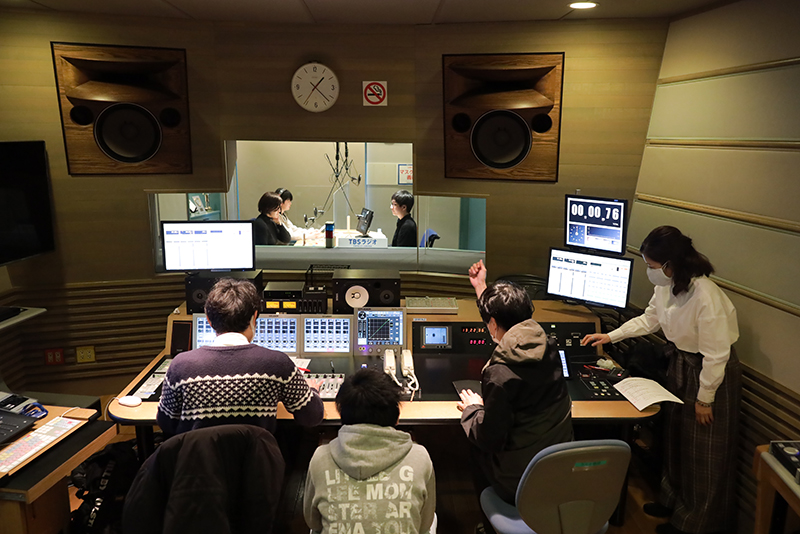 """學生在TBS收音機""""JUNK""""範圍制作的&參加演出的收音機商業廣告被播放!"""